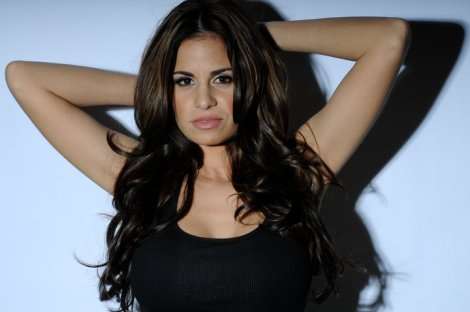 Vanessa proves that women can be FEMININE, BEAUTIFUL AND STRONG!